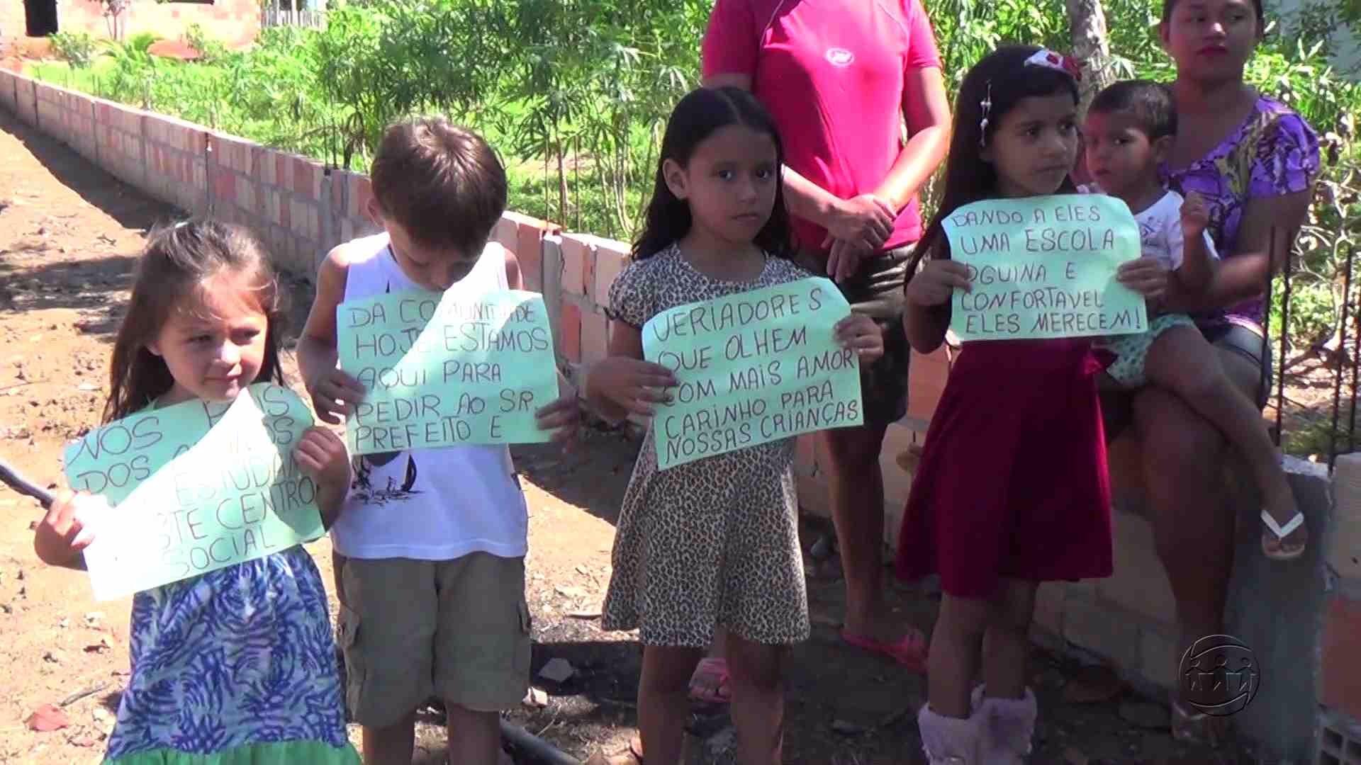 PAIS PROTESTAM CONTRA FECHAMENTO DE ESCOLA NA ZONA RURAL DE MANACAPURU - Manhã no Ar 23/06/17