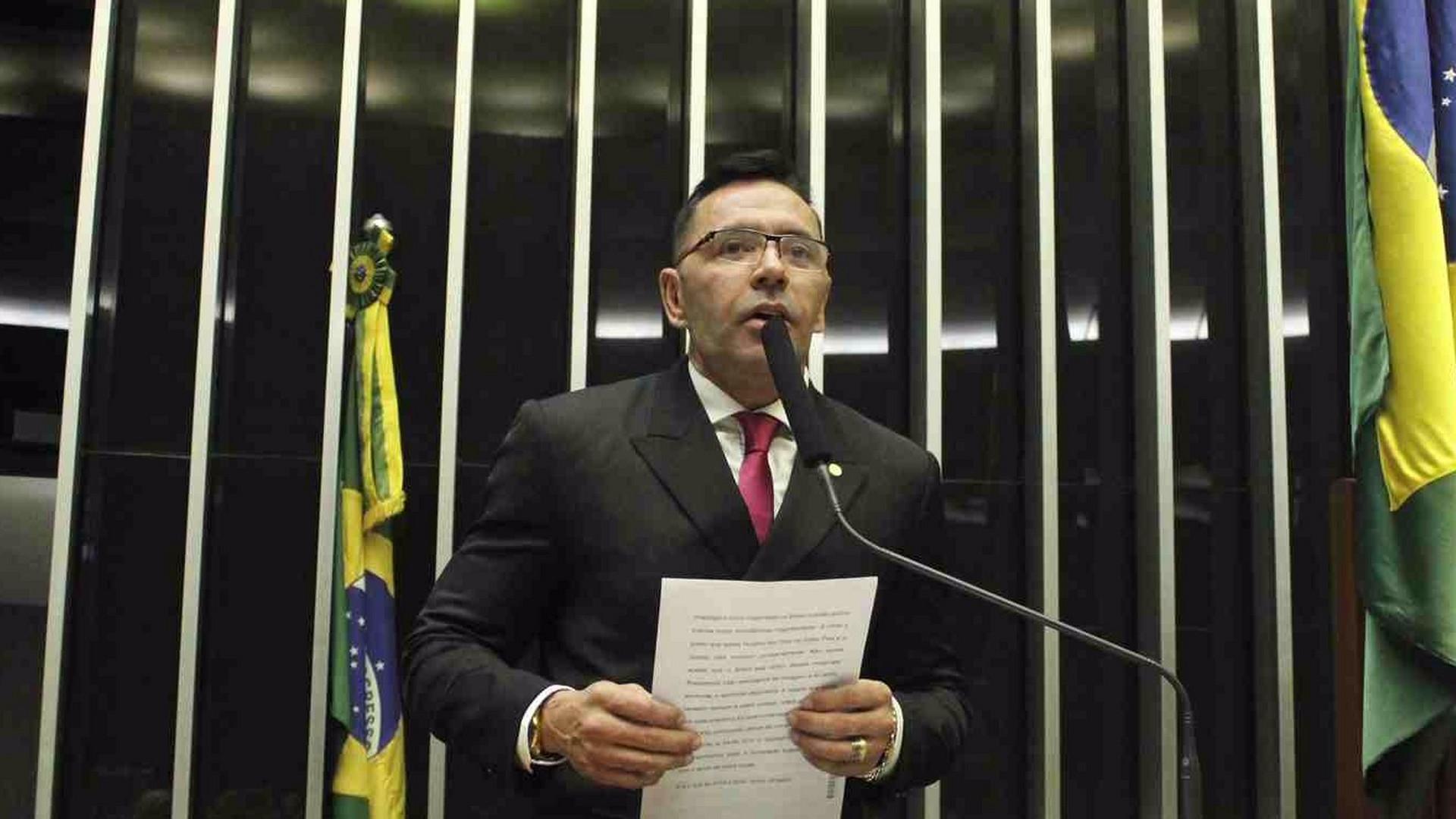 DEPUTADO SABINO CASTELO BRANCO É TRANSFERIDO PARA SÃO PAULO - Alô Amazonas - 15/08/17