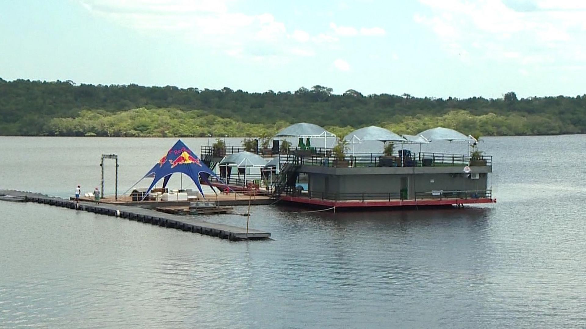 FLUTUANTES SÃO FLAGRADOS FURTANDO ENERGIA - Alô Amazonas - 18/08/17 - Alô Amazonas 18/08/2017