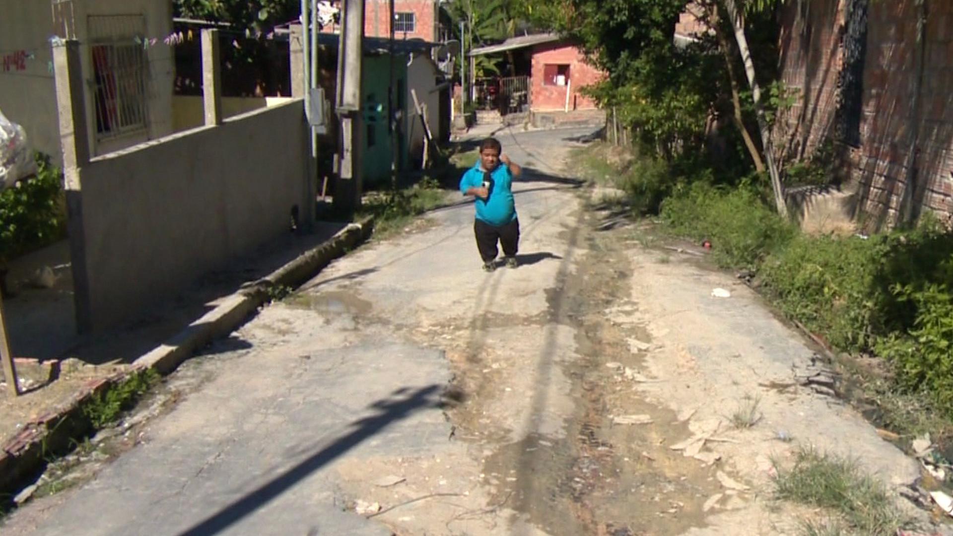 GRANDE VITÓRIA: MORADORES DENUNCIAM FALTA DE INFRAESTRUTURA - Alô Amazonas - 18/08/17