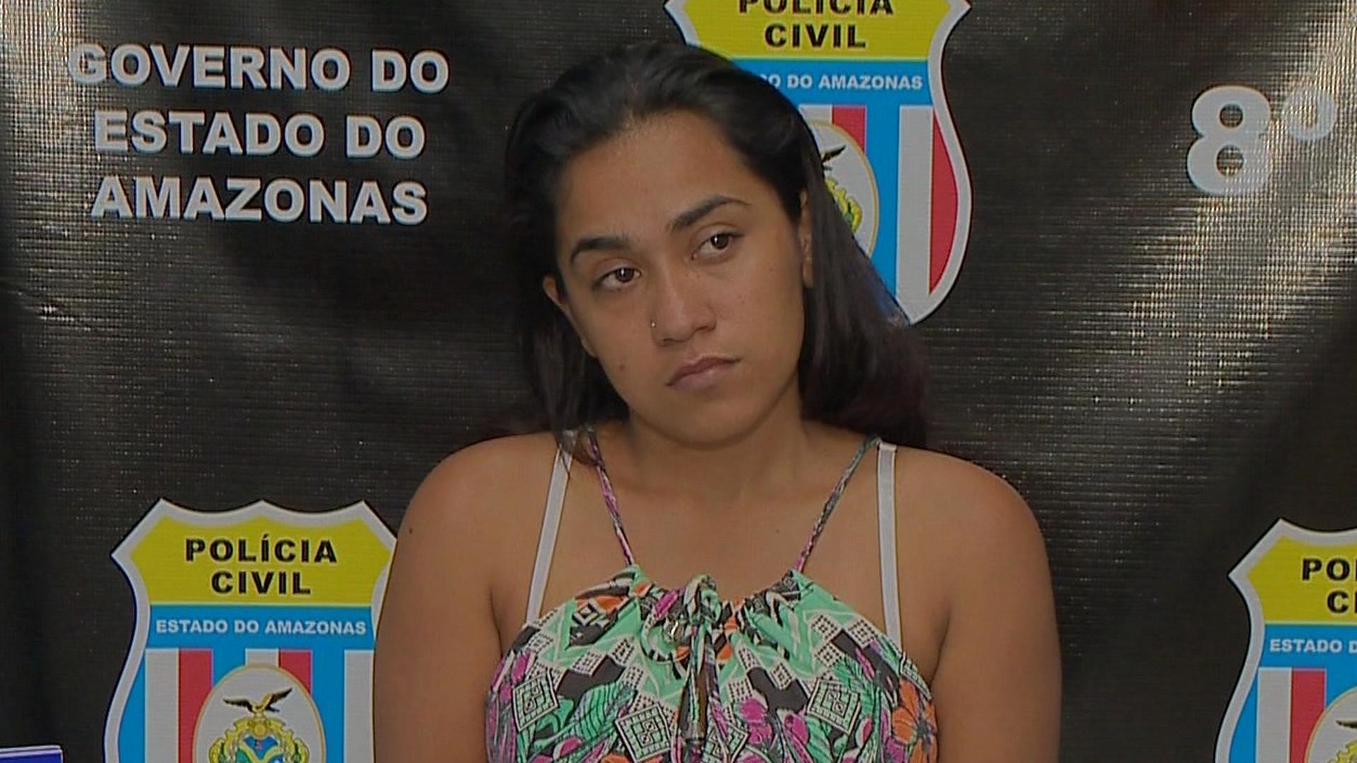 FLAGRANTE: APÓS DENÚNCIAS MULHER É PRESA POR TRÁFICO - Alô Amazonas - 18/08/17 - Manhã no Ar 18/08/2017