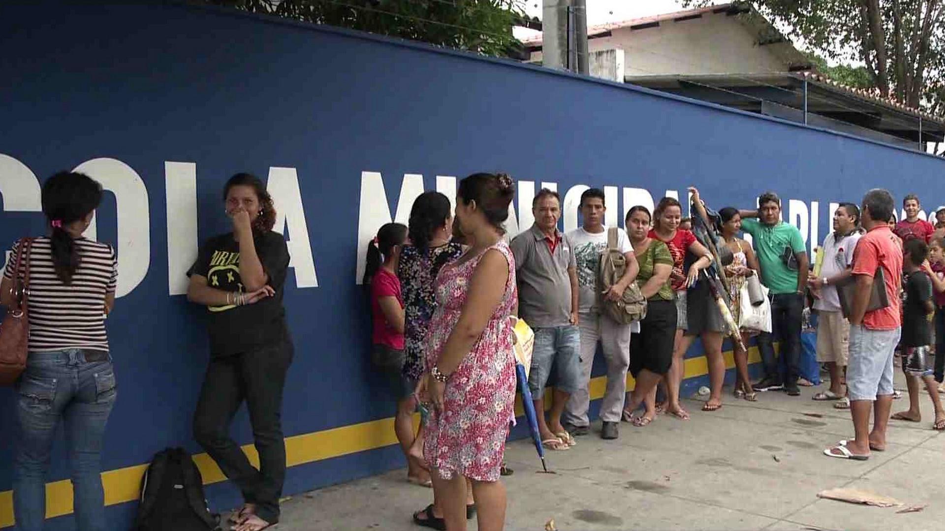 MATRÍCULA PARA ALUNOS DA REDE PÚBLICA COMEÇA SEGUNDA-FEIRA - Manhã No Ar - 15/12/17